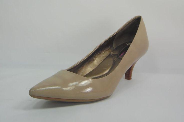 Bandolino Flexiuble Pumps Ponted Toe Medium Kitten Heels Tan Size 7.5 #Bandolino #KittenHeels