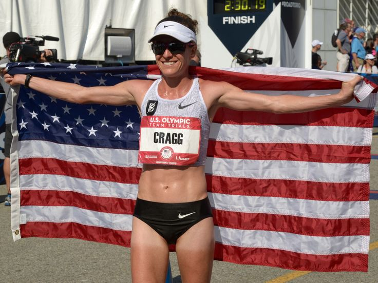 Amy Cragg poses with United States flag.  Kirby Lee-USA TODAY Sports