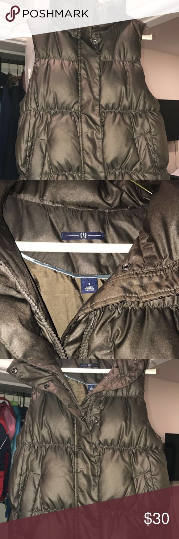 Gap bubble vest Gap brown bubble vest jacket. Super cute XS GAP Jackets & Coats Vests