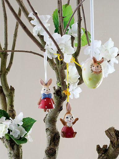 Goebel zawieszki, małe figurki z porcelany. Piękna dekoracja na wiosenny czas.