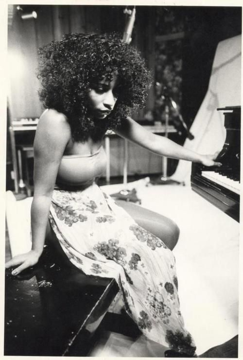 Chaka Khan Message Board :: View topic - Some of your favorite photos of Chaka