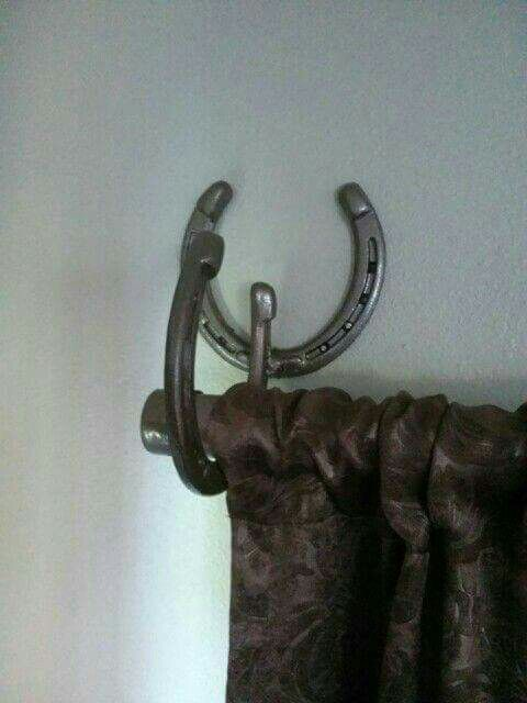 1000 ideas about horseshoe decorations on pinterest for Shoe sculpture ideas