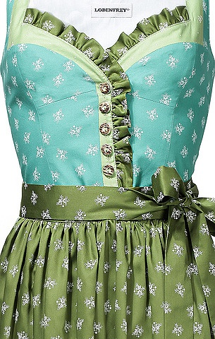 **I really like the way the ribbon ruffles down the middle of this! The colour as well