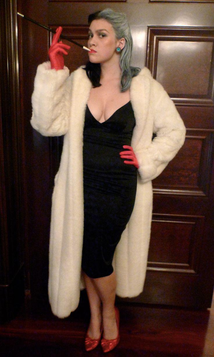 Christmas fancy dress ideas diy - Cruella Deville Coat As Cruella Deville When