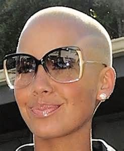 Amber Rose has the best sunglasses☻