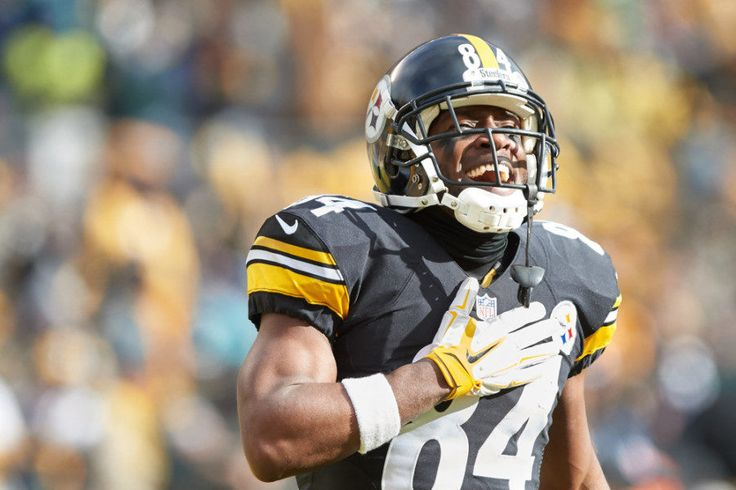 Steelers' WR Antonio Brown could be fined for live-streaming locker room = When the Steelers and WR Antonio Brown beat the Chiefs, they went to the locker room ready to celebrate and already thinking about their next opponents: The New England Patriots. Brown…..