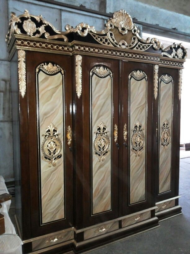 Classic Golden Carving Wardrobe