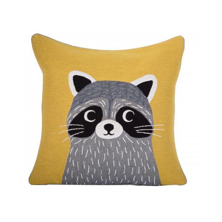 Coussin enfant jaune raton laveur Iosis - Mon Chalet Design