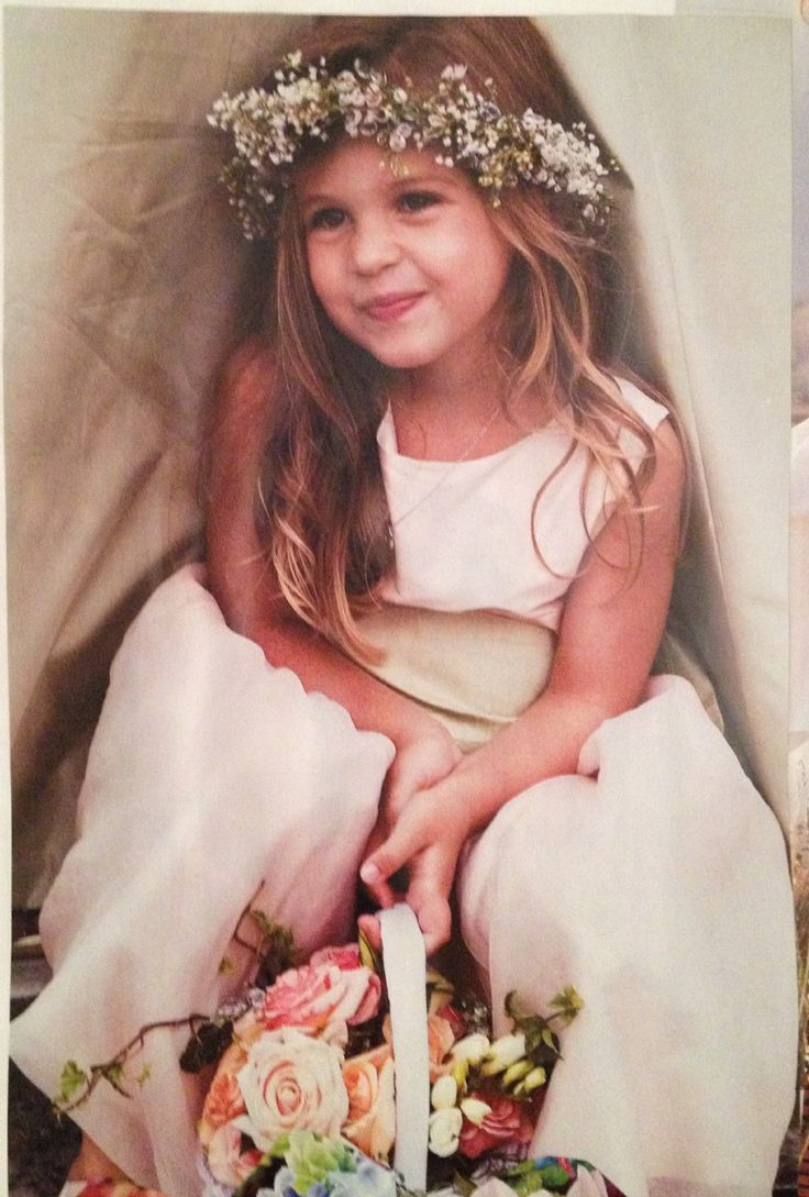 Lovely simple flower crown for flower girls, maybe less heavy though as they are younger than this girl