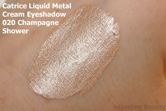 Review and swatch of Catrice Liquid Metal Longlasting Cream Eyeshadow in 020 Champagne Shower