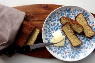 Knuspriges und innen fluffiges Low Carb Weißbrot mit Kokosmehl und Flohsamenschalen | Low Carb Bread