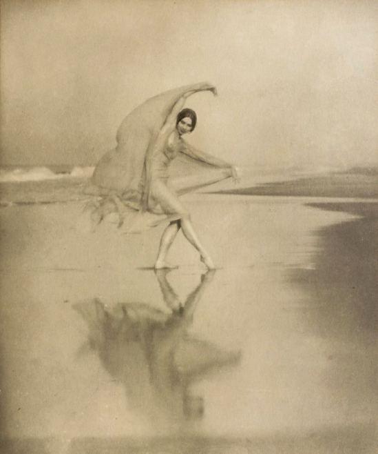 Arnold Genthe. Margaret Severn, Scarf dance 1923