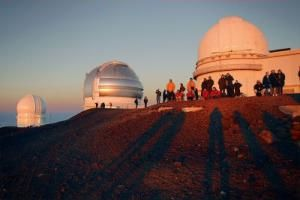 world-class astronomical observatories; and every evening of the year, even on holidays, its volunteer astronomy buffs roll out telescopes for an outstanding—and free—stargazing program