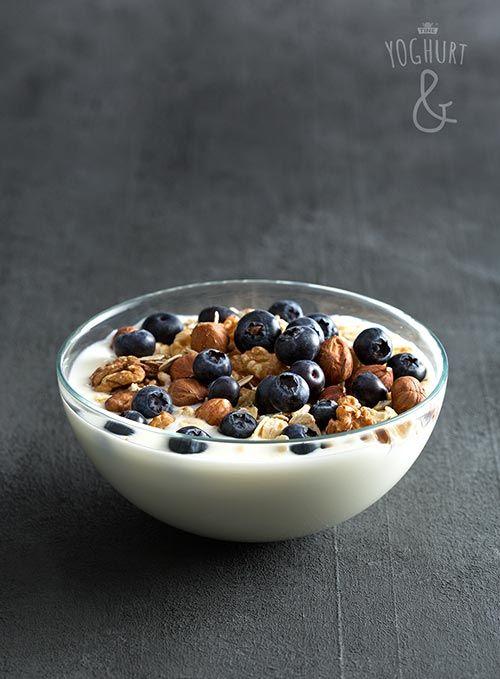 Havregryn & Nøtter & Blåbær - Se flere spennende yoghurtvarianter på yoghurt.no - Et inspirasjonsmagasin for yoghurt.