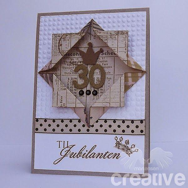 Bursdagskort, med 3D effekt. Her kan man lage enkle, men fine kort.         Legger også ved et bilde av hvordan du bretter firkanten.