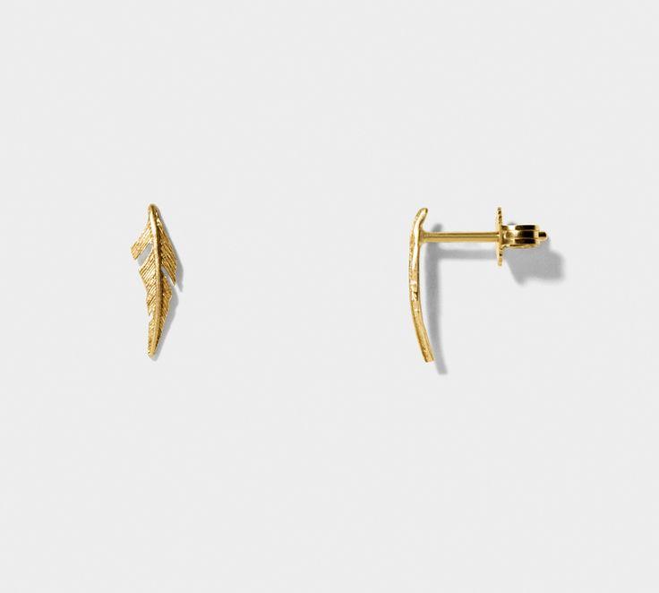 """Line og Jo ørestikker ved navnet """"Miss Eifa Gold"""". Er RIGTIG flot ørestikker der er lavet af  14 karat guld, og let kan matches med andre øreringe <3 #lineandjo #jewellery #misseifa"""