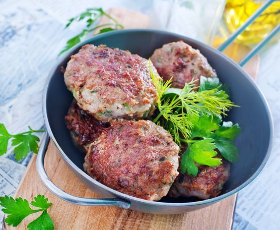 This Turkey Burgers with Sweet Potatoes recipe is so delicious! Enjoy the fulfilling patty with baked sweet potatoes while on Phase 3 of the Fast Metabolism Diet.