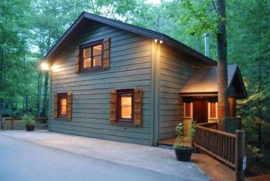 Helen GA Cabin Rentals | A River Runs Thru It | Luxury Rental home on the Chattahoochee