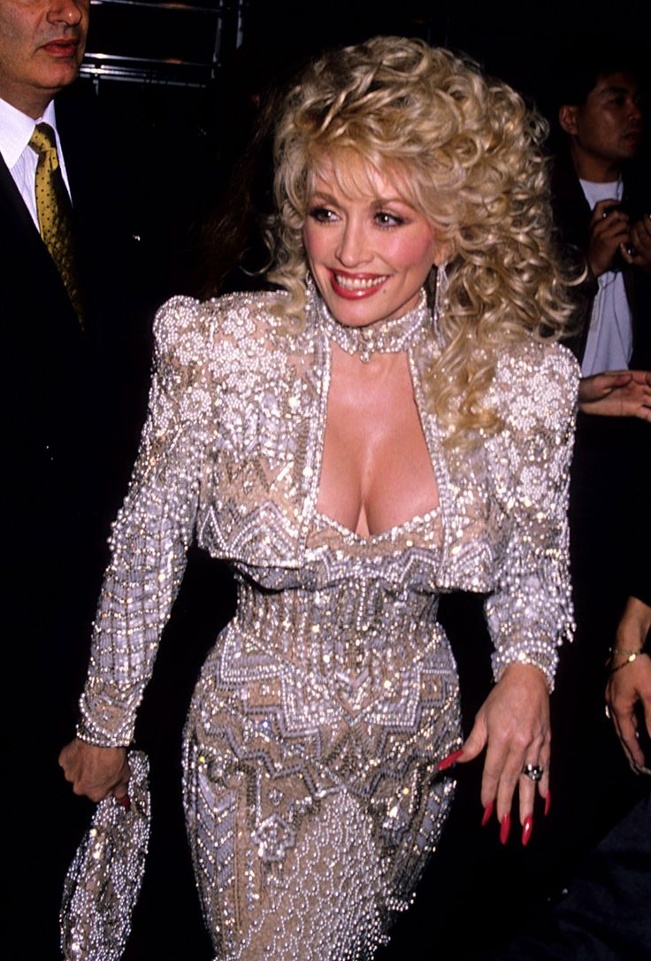 19 Of Dolly Parton's Most Fanciful Sleeves