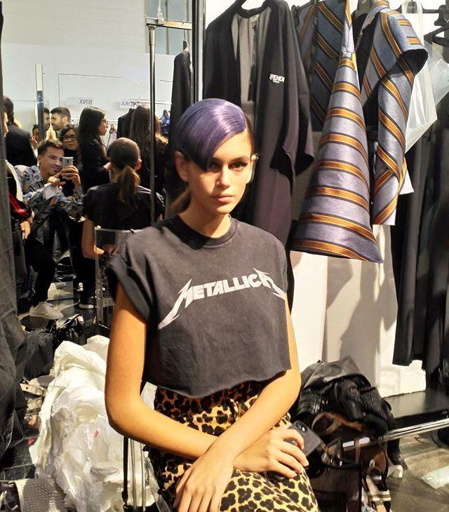 @kaiagerber wears purple hair for @fendi SS18./ В Милане идут последние приготовления к показу Fendi весна/лето 2018: чёрные стрелки и накладная челка - бьюти-образ модели Кайи Гербер.  via VOGUE RUSSIA MAGAZINE OFFICIAL INSTAGRAM - Fashion Campaigns  Haute Couture  Advertising  Editorial Photography  Magazine Cover Designs  Supermodels  Runway Models