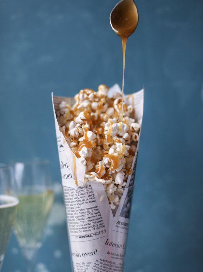 champagne caramel popcorn & bacon truffle parmesan popcorn recipe I howsweeteats.com