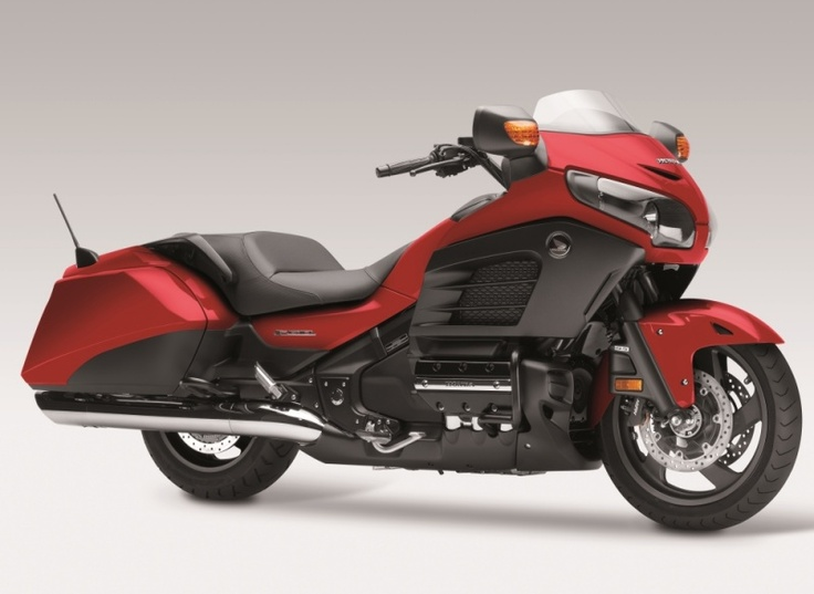 Nice side shot of the Honda Goldwing F6B in red #f6b #goldwing #honda #2013