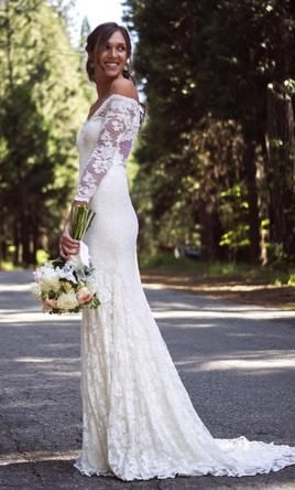 Other Olvi 1399 Lace Collection, find it on PreOwnedWeddingDresses.com