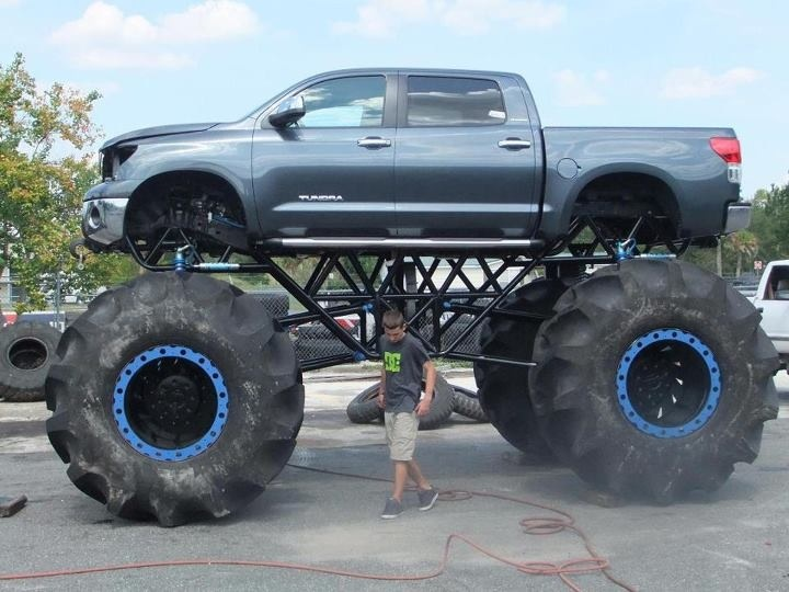 Okay I'm all for lifted trucks but if i have to become spider man in order to get into my truck, no thank you....