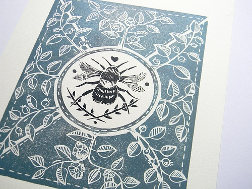 Little Bee Lino print