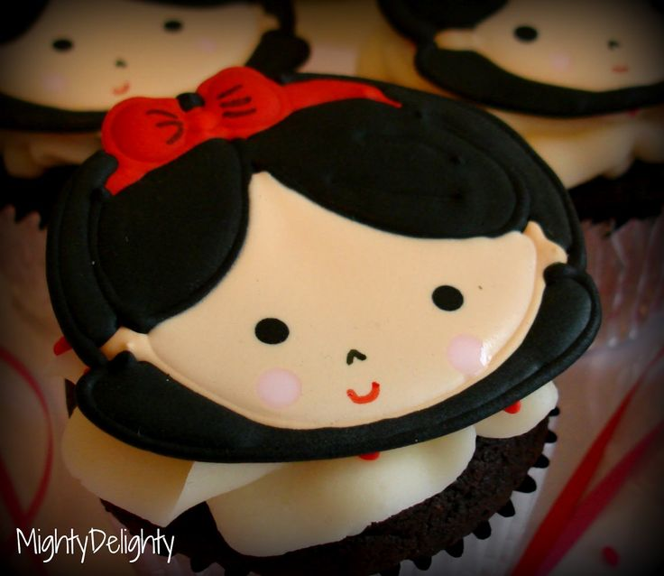 Mighty Delighty: Template to make snow white cupcake topper from chocolate or fondant