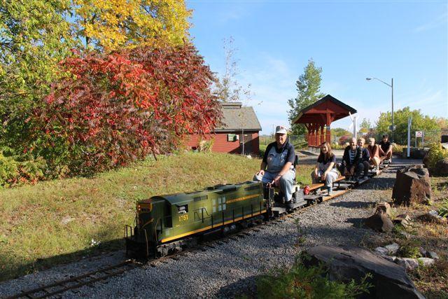Chemin de fer miniature / Miniature Railway #exporail #trains #musée #museum #rail #Familyactivities