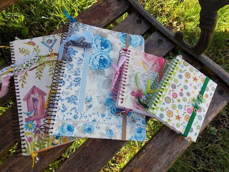 Libretas forradas con servilletas de papel y decoradas con - Servilletas de papel decoradas para manualidades ...