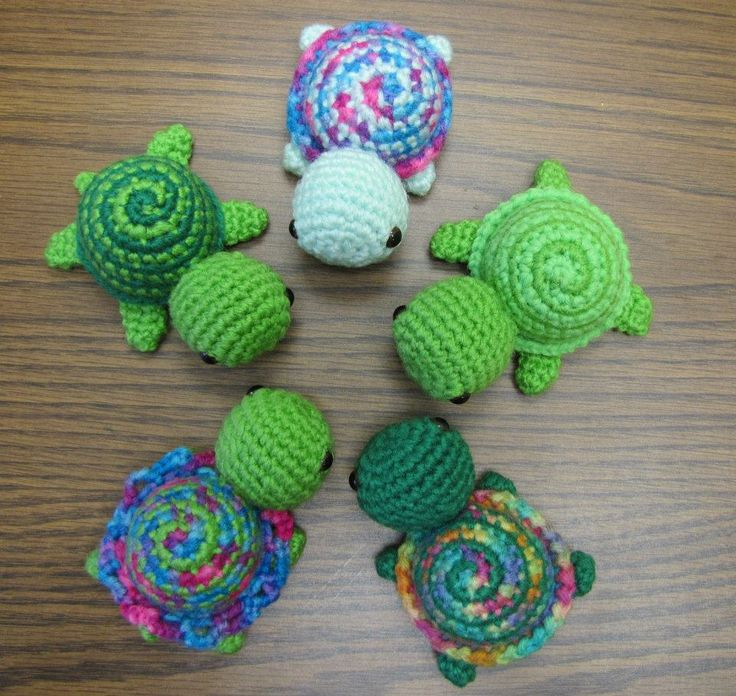 Tiny Striped Turtles.  Free Crochet Pattern. I'll pin these for my friend who loves turtles!