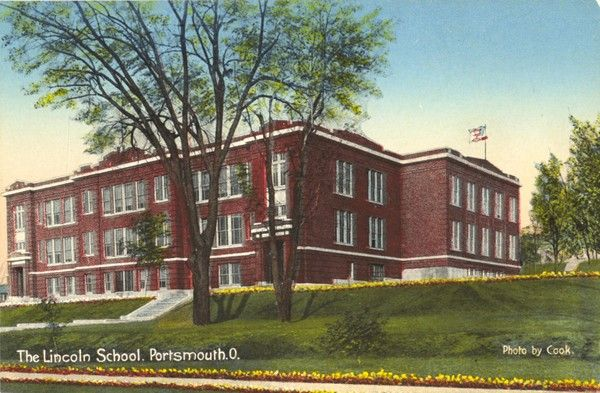 Named for the 16th president, Lincoln Elementary was located at the corner of Waller Street and Kinney's Lane. Built in 1914, the ten-room school was completed at the cost of $50,000. In 1922, 18 rooms were added.Overcrowding at Washington School resulted in Lincoln being the county's first integrated elementary school. In 2000, the building was closed and the students were sent to two other locations.  The building was razed in 2003.The SOMC Cancer Center is now at that location.
