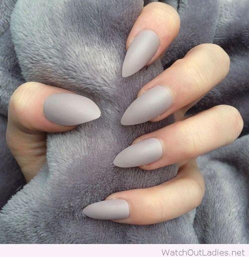 Light grey stiletto nails ♡