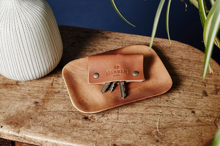 Leather Key Holder Case  Win an item of your choice up to the value of £119 in the Harber London Website Competition https://wn.nr/hqfc5n