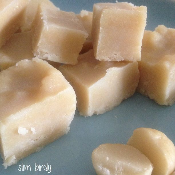 Healthy White Chocolate Fudge... again, so quick and so delicious without the guilt. #paleo #lowcarb #refinedsugarfree http://slimbirdy.com/2014/09/26/healthy-white-chocolate-fudge/