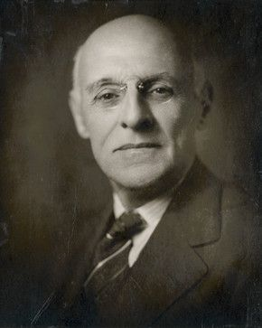 The Founding Director of the Institute for Advanced Study, Abraham Flexner was a prominent figure in American education reform, particularly medical education. #meded