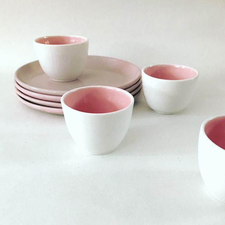 Porcelain pink and white tableware by spiek ceramiczny