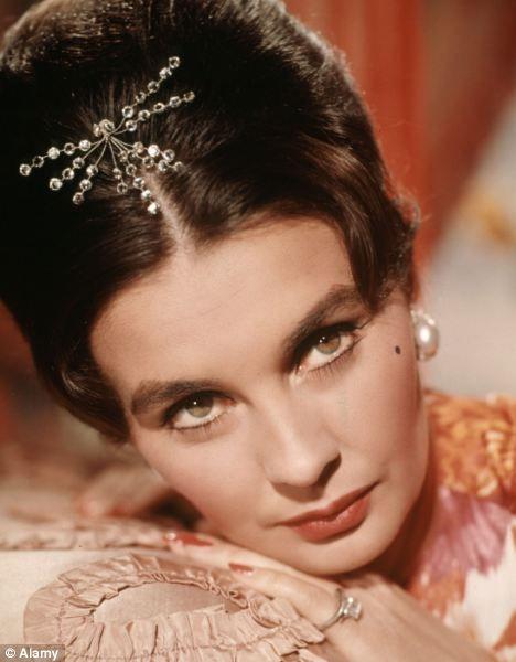 Jean Simmons, actriz británica.