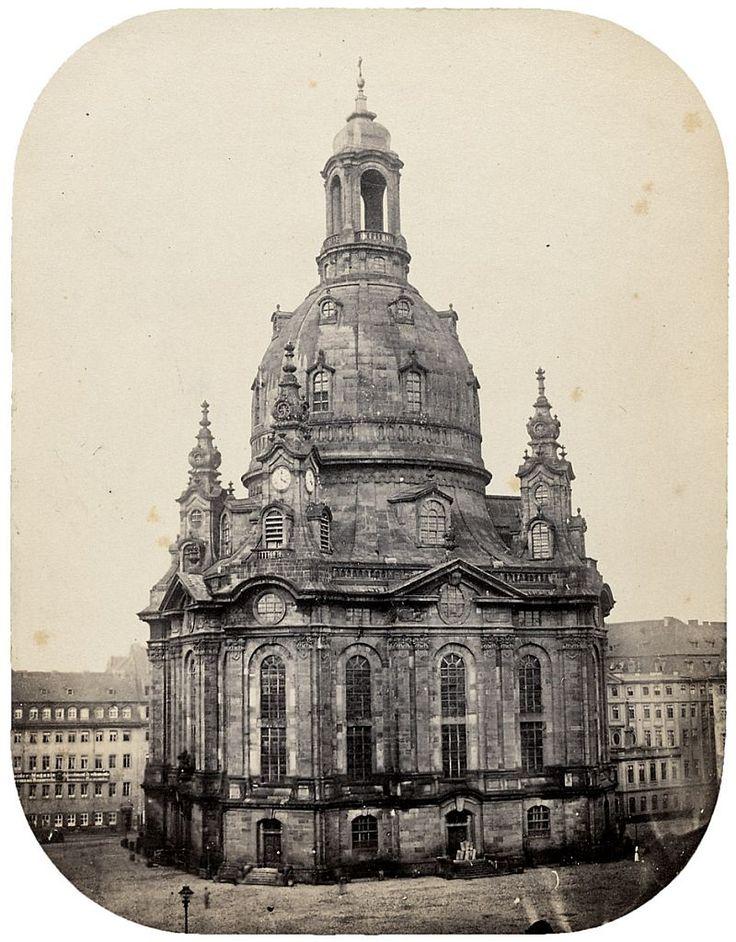 "View of Dresden Frauenkirche (Church of Our Lady), Dresden"" Impresión a la albúmina / albumen print, 21 x 16,3 cm., fines de / late 1850s"