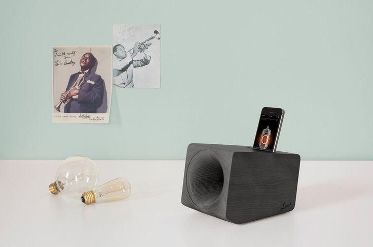 A Wooden Speaker that Mimics the Sound of Vinyl - Design Milk