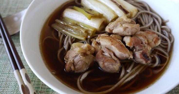 鶏肉とネギを炒めるだけでこんなに美味しくなって驚き☆少し甘めのつゆは美味し過ぎて全部飲み干しました(約648㌍/1人分)