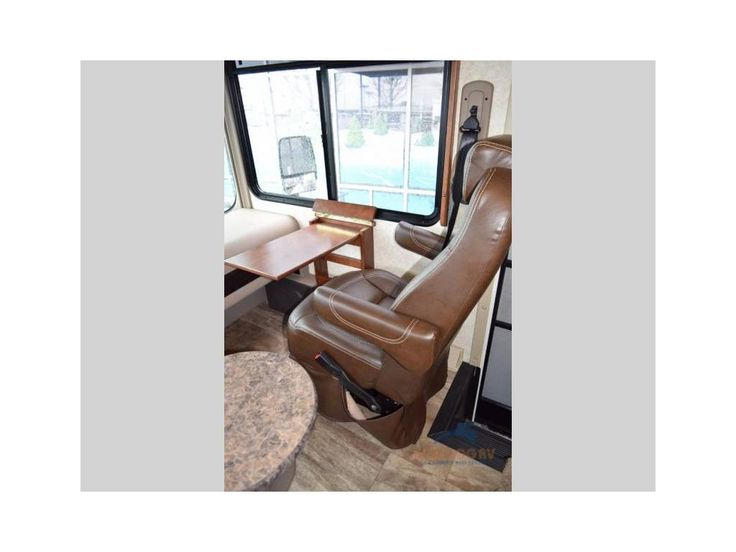 $152,398 Desk in front 2017 Forest River Rv Georgetown 364TS, Gresham OR - - RVtrader.com