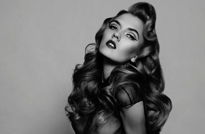 Pin-up curls are unattainable right? They're only for models with hairstylists fixing every out of place strand. Well, actually with these tips they aren't.