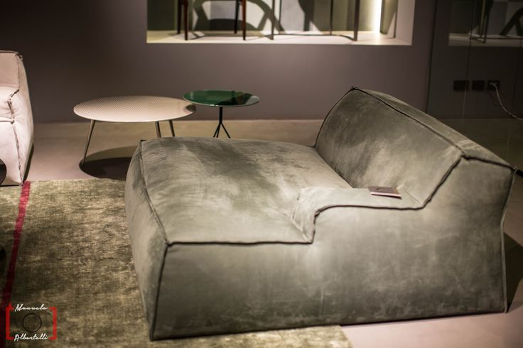 Large and confortable sofa at Baxter Cinema Photo is courtesy of Dennis Zoppi and Manuela Albertelli. #baxtecinema