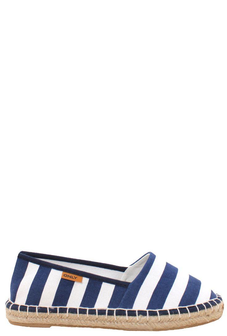 blauwe met wit gestreepte espadrille, nu voor nog maar €13,97 #uitverkoop #sale #schoenen #shoes #zomer #lente #espadrille #instappers #dames #mode #women #fashion