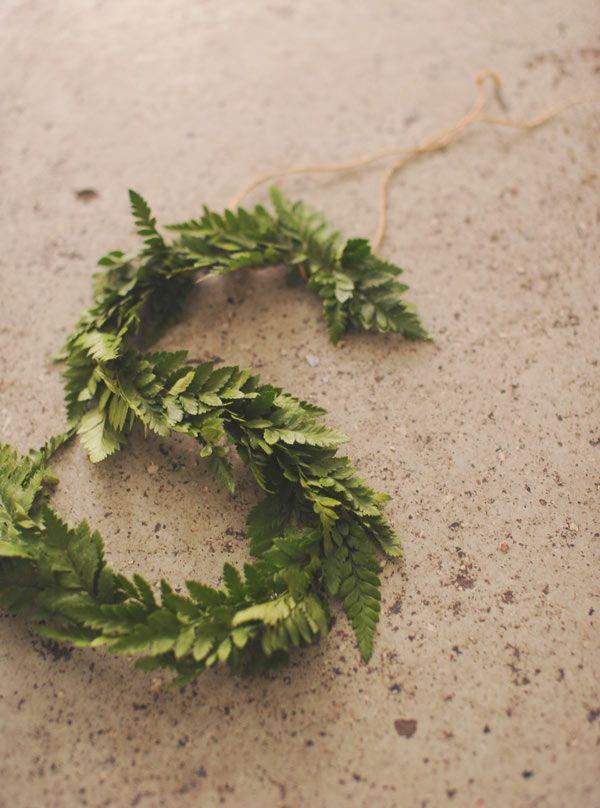 diy greenery monogram http://weddingwonderland.it/2015/10/matrimonio-botanico-fai-da-te.html