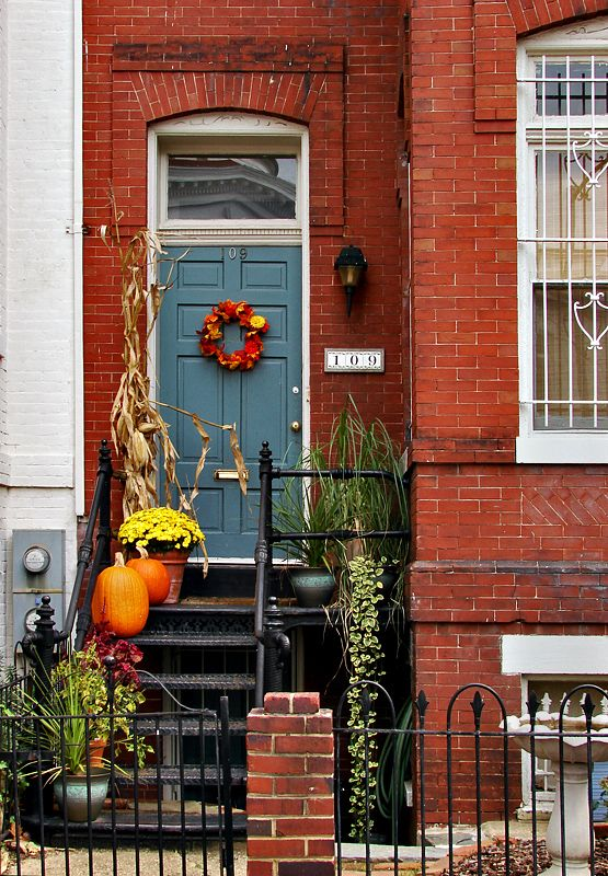 Capitol Hill ~ Fall Front door & 34 best Capitol Hill~Washington D.C. Neighborhoods images on ... pezcame.com