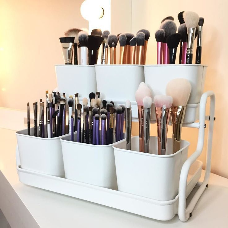 Create your own makeup brush organizer using an IKEA SOCKER plant pot with holder!